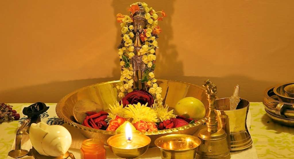 How To Worship Lord Hanuman: Get All Your Queries Answered